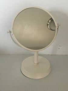 Nice White Plastic Double Side Higher Zoom Circular Moving Mirror  C1