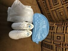 Girls varsity cheer shoes size 13c white new with bag