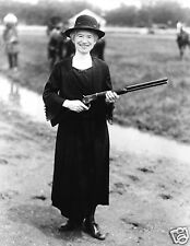 1922 Annie Oakley Sharpshooter at Age 62 with a Gun that Buffalo Bill Gave Her