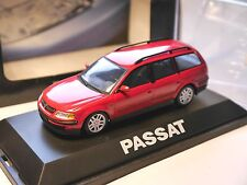VW PASSAT b5/3b Variant STATION WAGON Break in ROSSO ROUGE ROSSO RED, Schuco 1:43 spacciatori