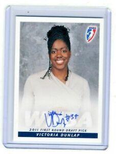 Victoria Dunlap 2011 WNBA Rittenhouse Archive Certified On Card Autograph Auto