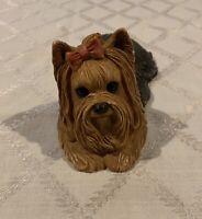 Sandicast Yorkshire Terrier Yorkie Dog Bow Figurine #155 1982 Sandra Brue USA
