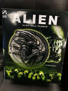 "Palisades Limited Edition ALIEN WALL PLAQUE 9"" 72/120 Xenomorph NEW"