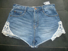 Zara UK8 Damas Azul Denim Caliente Pantalones Cortos Con Detalle De Encaje Buen Estado