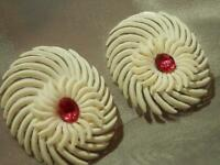 Vintage 50's Pink Rhinestone Flower Soft Plastic Flower Clip Earrings 242my8