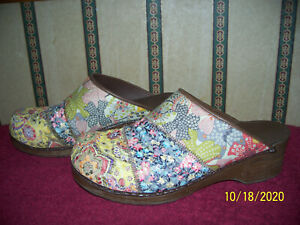 SANITA MULTI COLOR FABRIC OVER LEATHER CLOGS SIZE 41 U.S. 10.5 - 11