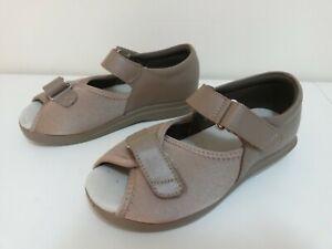 PROPET - WPED6 - PEDWALKER sandal, Taupe - Size 6.5 wide (D) RRP$169