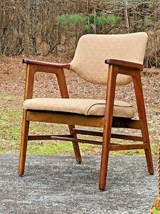 Vintage MCM Industrial era Gunlocke Armchair - model 2323R