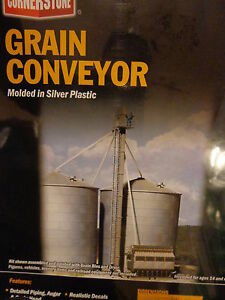 Walthers HO #933-3124 Grain Conveyor (kit Form) Molded in Silver Plastic