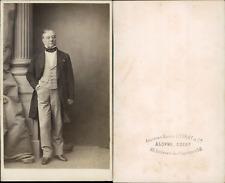 Alophe, Paris, monsieur en redingote Vintage albumen print, cdv. CDV, tirage