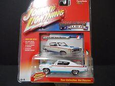 Johnny Lightning AMC Rebel Machine 1970 White 1/64 MC001A