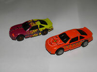 Lot of 2 Vintage Hot Wheels Crash Car Mattel 1998 Orange, Purple/Yellow Die Cast