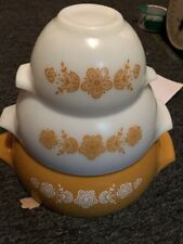 Vintage Set of 3 PYREX Gold & White Butterfly Cinderella Mixing Bowls Golden