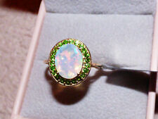 Exceptional Opal and Chrome Diopside Gold Ring
