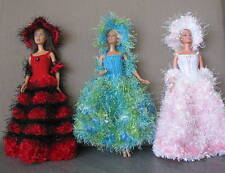 3 robes longues pour barbiee princesse chapeau boa  uniques  made in France IT