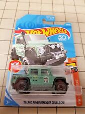 Hot Wheels 2018 '15 Land Rover Defender Double Cab Mint Green