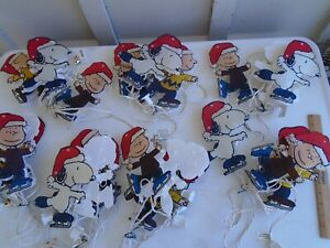 """8"""" Peanuts  Christmas Lighted Pathway Markers  Charlie  Snoopy Linus 21 figures"""