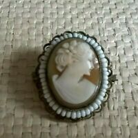 vintage / antique beautifully carved shell Cameo lady glass bead pendant brooch