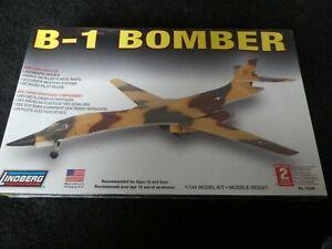 LINDBERG ROCKWELL B-1 BOMBER 1:144 scale kit Brand New and sealed