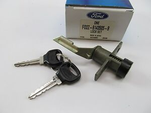 NOS Trunk Lid Key & Lock Set 1989-1992 Ford Probe OEM Ford F02Z-6143505-B