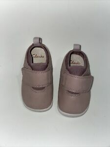 Clarks baby girls leather shoes Size 3 G New