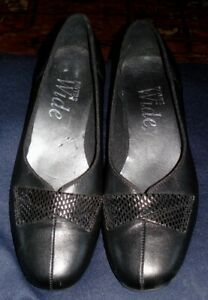 PAVERS WIDE black leather low heel shoes 4
