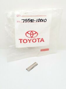 75581-10010 Toyota Window Outer Upper Moulding Cover For 1979 To 1983 Pickup