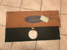 NOS 1970 DOZZ 63423A4-A HONEYCOMB TAILLIGHT PANEL FORD MUSTANG MACH 1