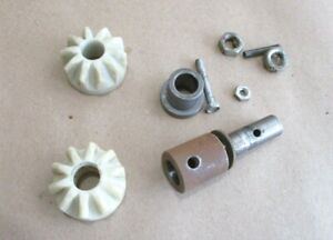 "Set 10 Teeth Gears 424-02-051-0008 From Rockwell Delta 33-990 10"" Radial Arm Saw"