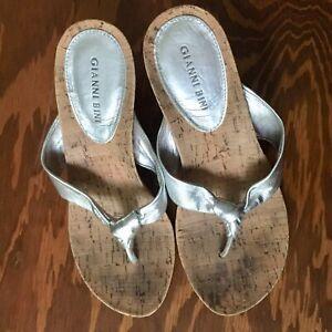 Gianni Bini GB Metallic Shiny Silver Leather Cork Wedge Heel Sandals 8 8M GUC