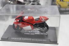 Modellino Moto Yamaha YZR500 Max Biaggi 2001 1/24
