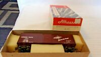 Athearn HO Scale 40' Canadian Pacific Box Car, Brown, #222502, Vintage