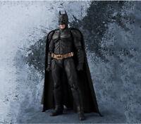 Figura SHF JUSTICE LEAGUE S.H.Figuarts Batman The Dark Knight PVC Acción 17cm