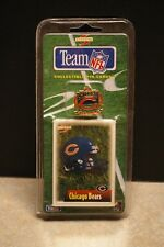 NEW 1995 SCORE PINNACLE TEAM NFL CHICAGO BEARS ENAMEL METAL PIN AND CARD