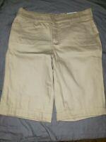 NWT Womens St. Johns Bay Size 6 Khaki/Biscotti Bermuda Shorts Stretch