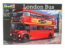Revell 1 24th Scale London Routemaster Bus Kit