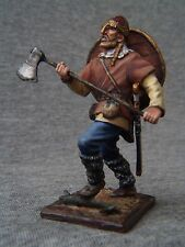 Elite tin soldiers St. Petersburg: Viking goes with the axe, 54 mm.
