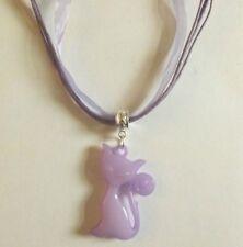 collier organza violet avec pendentif chat violet