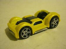 Hot Wheels Yellow Curb Side  (EB8-5)