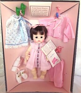 """Madame Alexander 14"""" Sweet Tears Brunette Baby Doll 1982 with Layette NRFB #3678"""