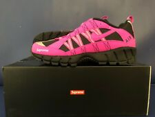 NIKE AIR HUMARA '17 - SUPREME - LIMITED - SIZE 11 - FIRE PINK - LIMITED