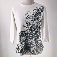 Chico's Zenergy Size 2 White Grey Floral Graphic 3/4 Sleeve Round Collar Tee