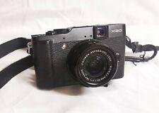 Fujifilm X10 24,3 Mpix Appareil Photo Compact - Noir
