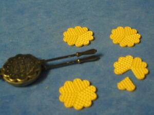 Nr.27130.1 Bodo Hennig Waffeleisen 1:10 Puppenstube Puppenhaus Puppenstubenmöbel