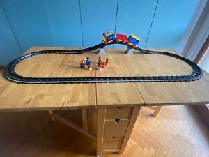 Trenino Lego con ponte,binari,personaggi,vagoni e locomotiva non elettrica