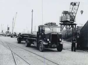 ULSTER TRANSPORT LEYLAND TRUCK PHOTO PHOTOGRAPH LORRY PICTURE IN THE DOCKS EZ918