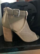 MARC FISHER Womens Sz 7.5 Natural Suede Perforated Block Heel Sandals Shoes. New