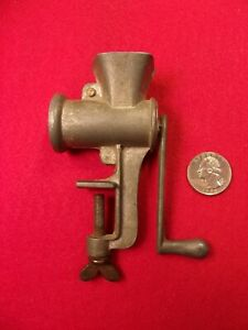 """VERY NICE OLDER VTG """"WORKING"""" MINIATURE / TOY HAND CRANK MEAT GRINDER, 4.5"""" TALL"""