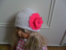 NEW - HAND KNITTED - WHITE HAT WITH PINK CROCHET FLOWER - 0-3 MONTHS
