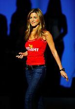 Jennifer Anniston 8X10 cute at charity event side shot 2